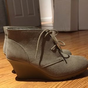 Lace up wedge ankle suede booties